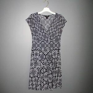 EUC White House Black Market Midi Dress Size M